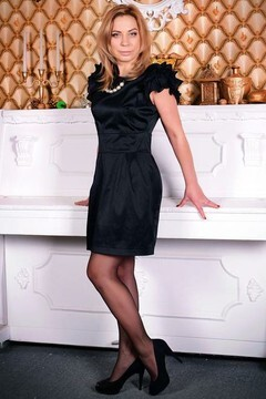Galina from Zaporozhye 42 years - amazing girl. My mid primary photo.