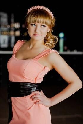 Sveta from Poltava 27 years - romantic girl. My small primary photo.