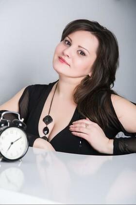 Oksana from Lutsk 36 years - soft light. My small primary photo.