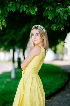 Alla from Poltava 32 years - charm and softness. My mid primary photo.
