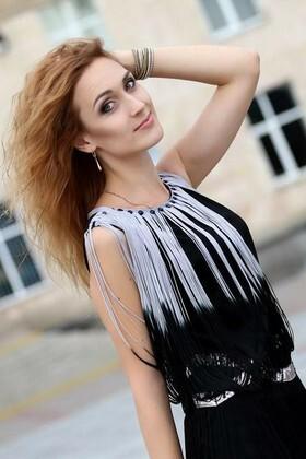 Julia from Cherkasy 27 years - ukrainian girl. My small primary photo.