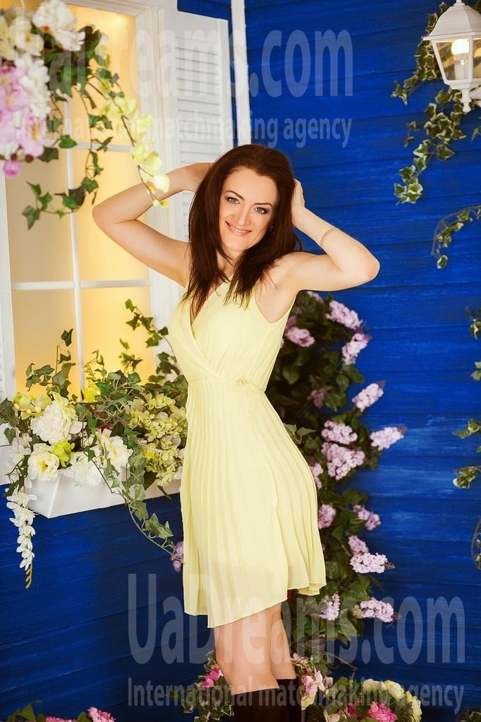 Zhenya from Kiev 41 years - attractive lady. My small public photo.