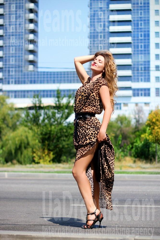 Vicky from Zaporozhye 35 years - sunny day. My small public photo.