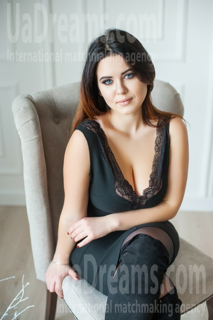 Anna from Ivanofrankovsk 19 years - it's me. My small public photo.