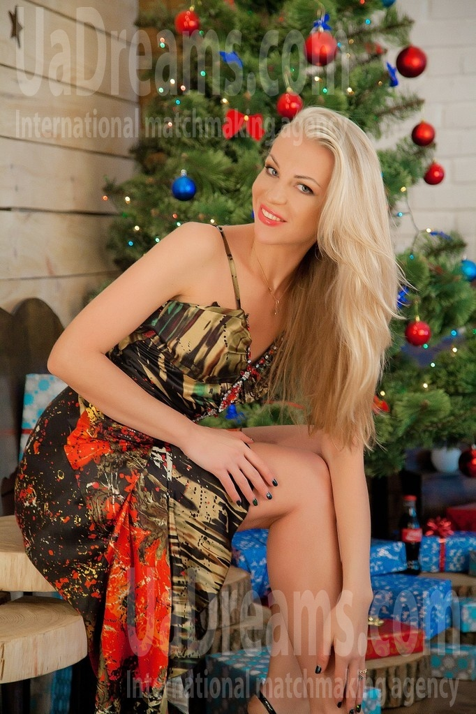 Alla from Sumy 33 years - girl for marriage. My small public photo.