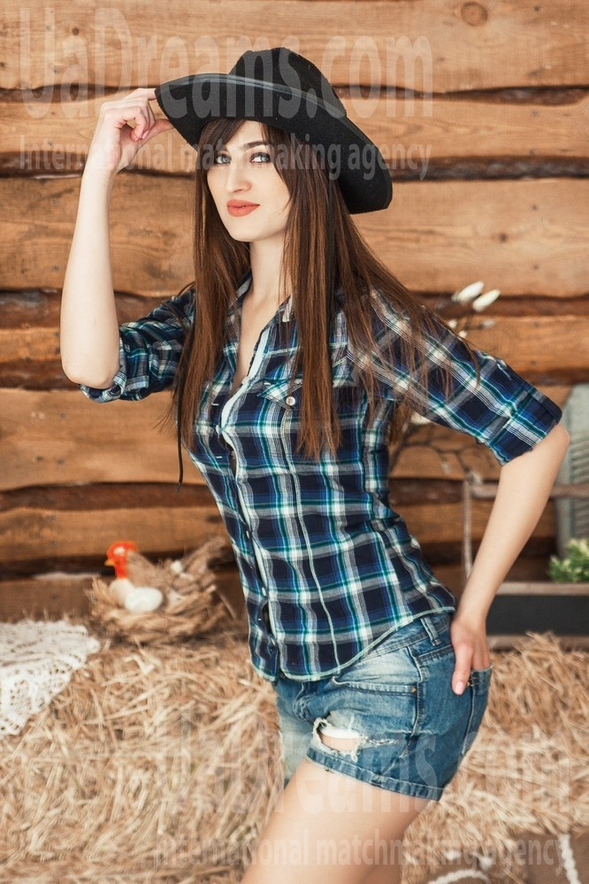 Elena from Kharkov 26 years - Music-lover girl. My small public photo.