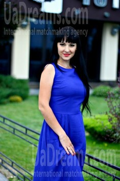 Alyona from Kremenchug 30 years - wants to be loved. My small public photo.