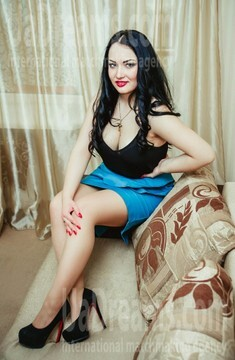 Yulya from Lutsk 22 years - ukrainian woman. My small public photo.