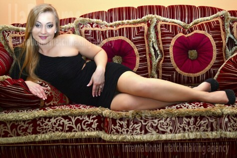 Anya from Lutsk 26 years - ukrainian girl. My small public photo.