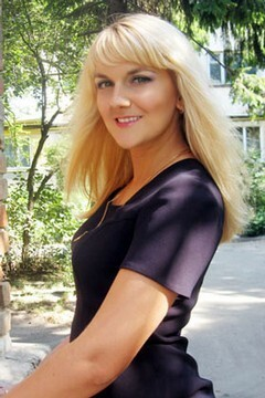 Lilya from Lutsk 30 years - loving woman. My mid primary photo.