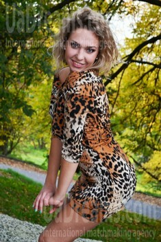 Zina from Lutsk 24 years - favorite dress. My small public photo.