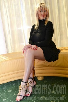 Lyuda from Lutsk 35 years - girl for marriage. My small public photo.