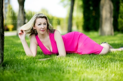 Lyuda from Lutsk 37 years - photo gallery. My small public photo.
