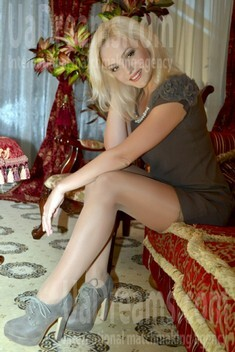 Lyuda from Lutsk 26 years - good girl. My small public photo.
