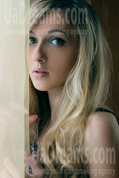 Anastasiia from Lutsk 21 years - romantic girl. My small public photo.