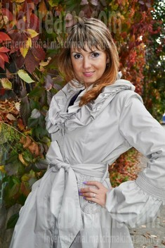 Oksana from Lutsk 31 years - single russian woman. My small public photo.