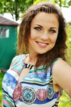 Yulya from Lutsk 23 years - introduce myself. My small public photo.
