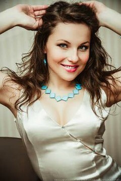 Yulya from Lutsk 24 years - nice fiancee. My mid primary photo.