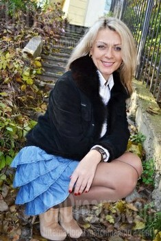 Tanya from Lutsk 30 years - ukrainian woman. My small public photo.