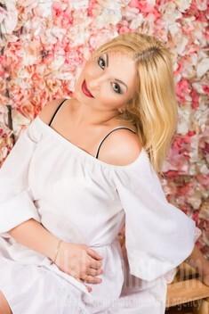 Inna from Lutsk 34 years - nice fiancee. My small public photo.
