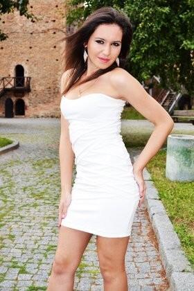 Oksana from Lutsk 20 years - sunny smile. My small primary photo.