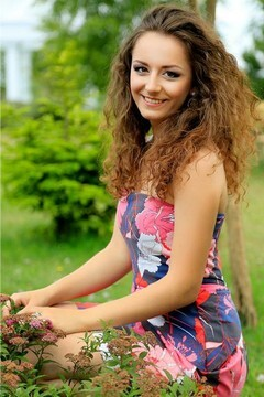Mariana from Lutsk 21 years - look for fiance. My mid primary photo.