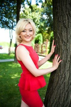 Svetlana from Lutsk 31 years - future bride. My small primary photo.