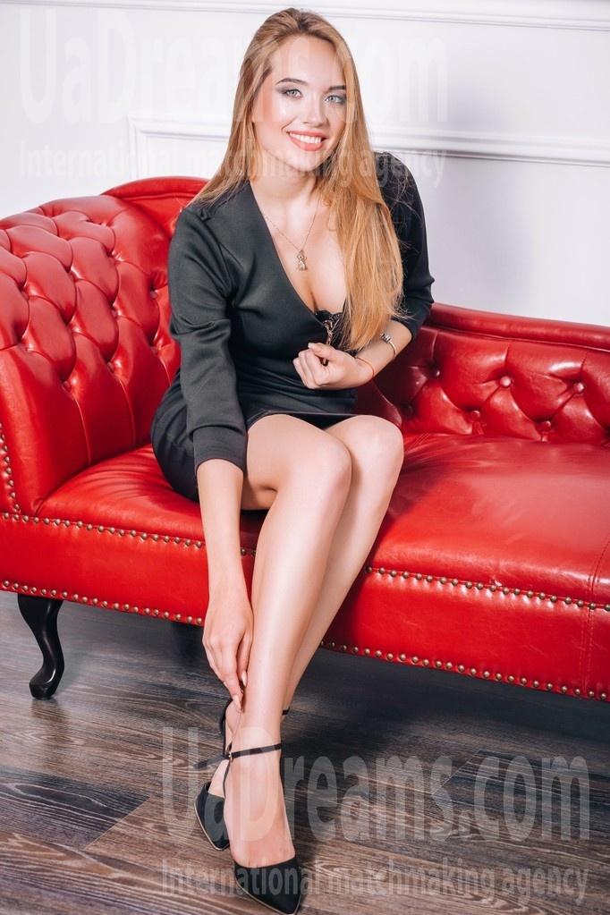 Elizabeth from Lutsk 21 years - morning freshness. My small public photo.