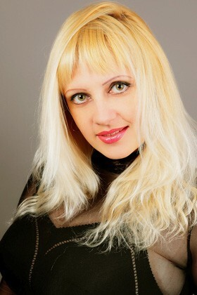 Julia from Simferopol 37 years - nice fiancee. My big primary photo.