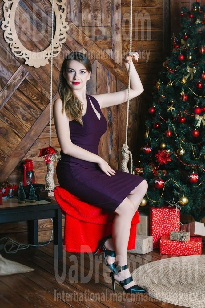 Marina from Cherkasy 34 years - morning freshness. My small public photo.