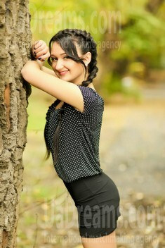 Katerina from Nikolaev 22 years - smiling for you. My small public photo.