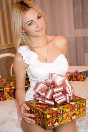 Victoria from Nikolaev 24 years - hot lady. My small primary photo.