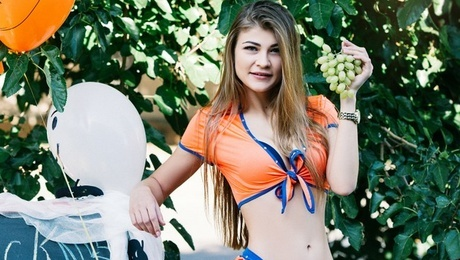 Nina from Cherkasy 24 years - girl for dating. My mid primary photo.