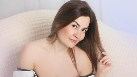 Mira from Zaporozhye 38 years - soft light. My mid primary photo.