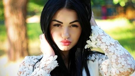 Nastyona from Zaporozhye 22 years - introduce myself. My mid primary photo.