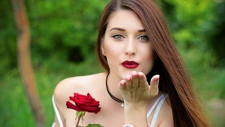 Juliana from Zaporozhye 25 years - morning freshness. My mid primary photo.