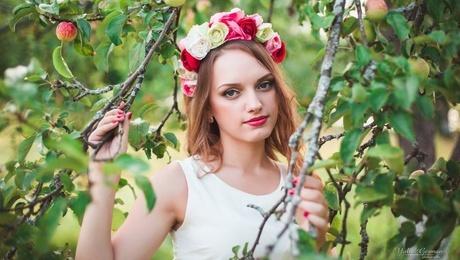 Vitaliya from Kharkov 22 years - good girl. My mid primary photo.
