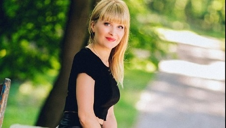 Olga from Poltava 39 years - sunny smile. My mid primary photo.