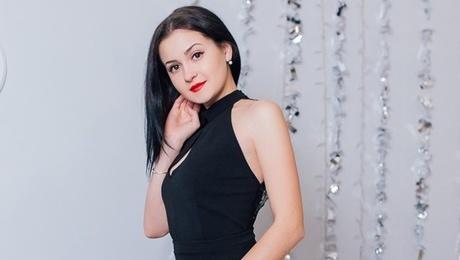 Tanya from Cherkasy 21 years - ukrainian bride. My mid primary photo.