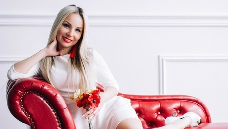 Natalia from Lutsk 30 years - ukrainian woman. My mid primary photo.