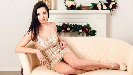 Nataly from Poltava 26 years - nice fiancee. My mid primary photo.