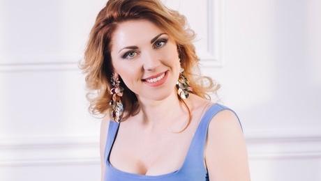Natasha from Lutsk 34 years - soft light. My mid primary photo.