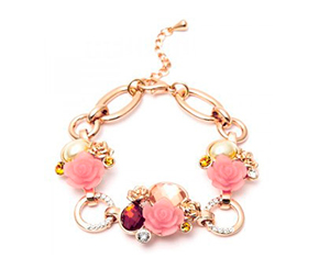 Armband mit Rosen. Shop in Ukrainian Marriage Agency.
