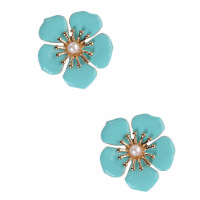 Flower earrings. Shop in Ukrainian Marriage Agency.