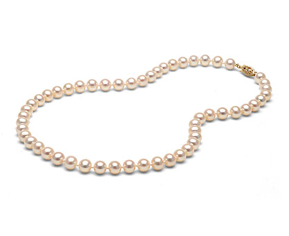 Pearl necklace. Shop in Ukrainian Marriage Agency.
