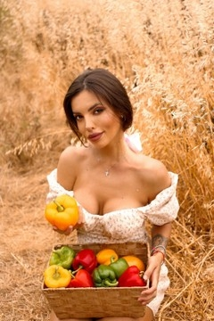 Nataly from Poltava 24 years - nice fiancee. My mid primary photo.