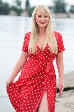 Irina from Cherkasy 41 years - photo session. My mid primary photo.