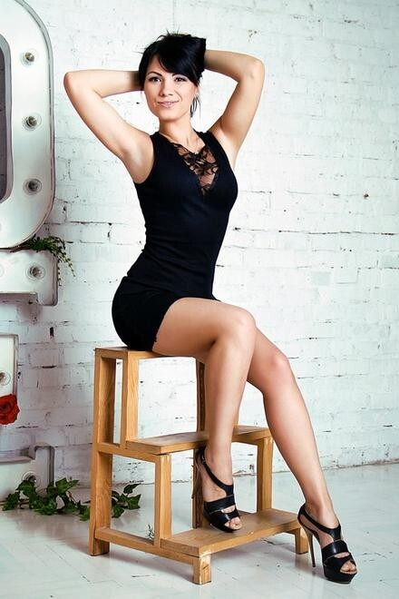 Olya from Zaporozhye 35 years - single lady. My small primary photo.