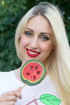Ksenia from Zaporozhye 35 years - waiting for you. My mid primary photo.