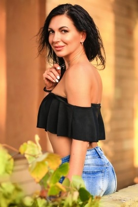 Iren from Zaporozhye 32 years - single russian woman. My small primary photo.